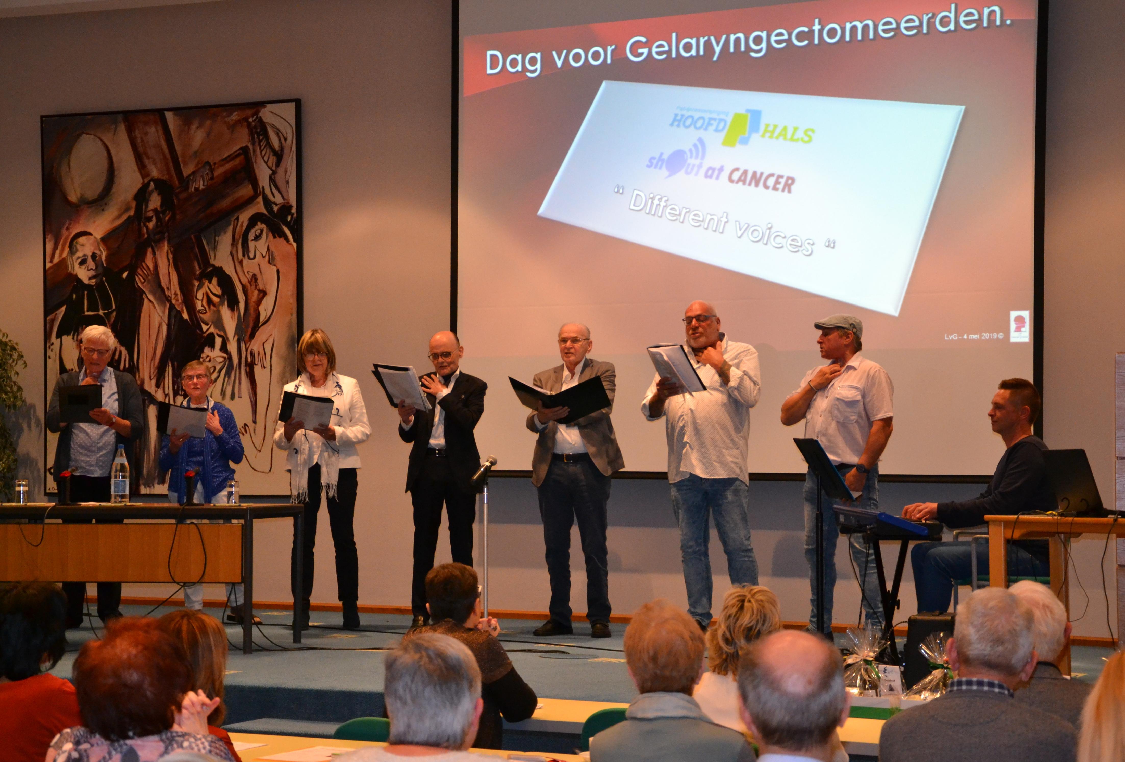 Koor Different Voices zingt op 4 mei 2019 op symposium in Gent